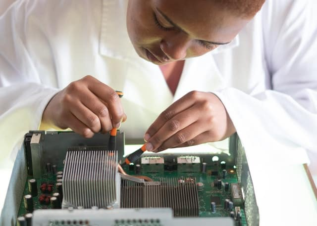 Exploring the field of Electronic Engineering